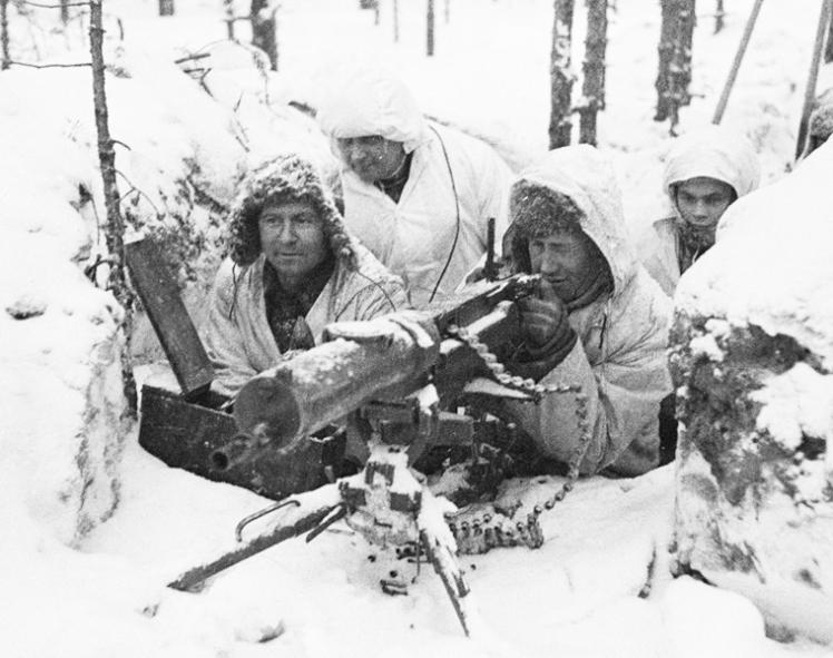 Konekivääripesäke Laatokan Karjalassa Lemetin pohjoispuolella. Kuva talvisodan ajalta. SA-kuva.