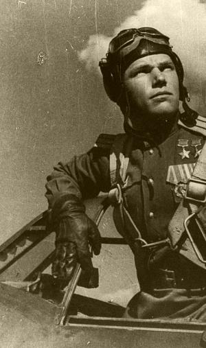 sovietpilot300.png